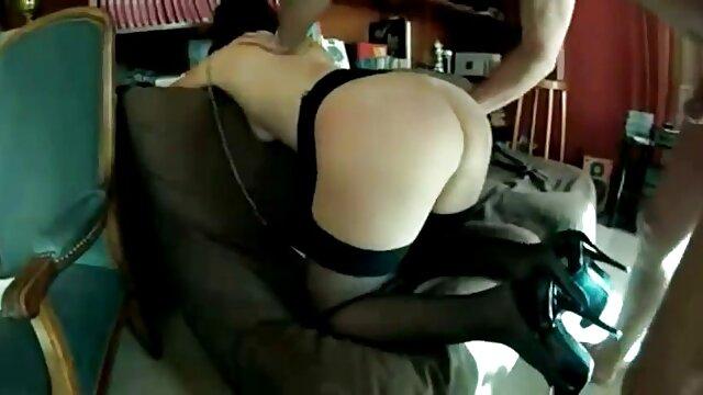 Mamada descuidada matutina de Telari Love videos pornos trios anales